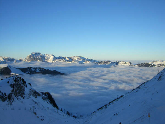 On_Top_Of_Chatel_2005_3_